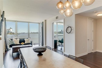 2 bedroom Luxury Condo - NYC & Water views at Port Imperial
